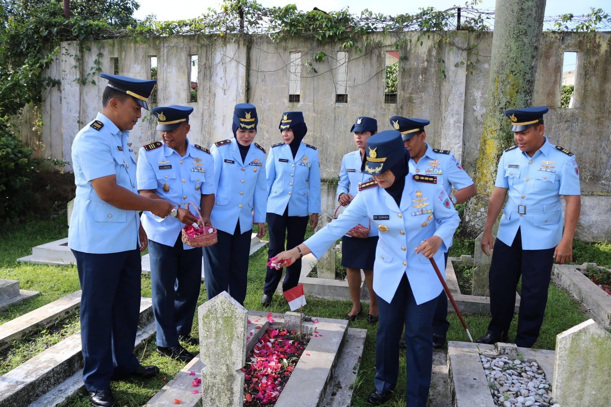WINGDIKUM ZIARAH HUT KE-73 TNI AU