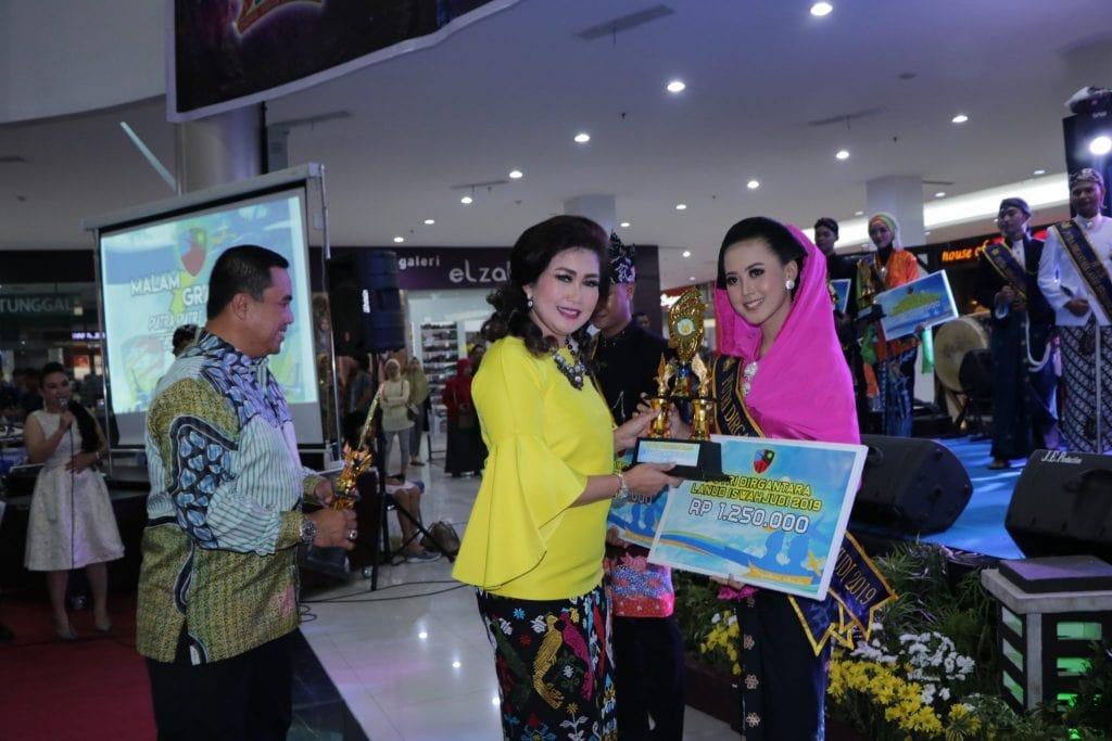 Insira dan Ibnu Hambal terpilih sebagai Putra-Putri Dirgantara Indonesia