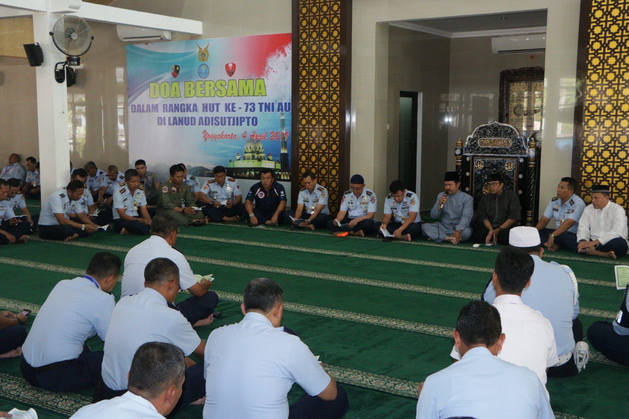 Jelang HUT ke-73 TNI AU, Lanud Adisutjipto Gelar Doa Bersama