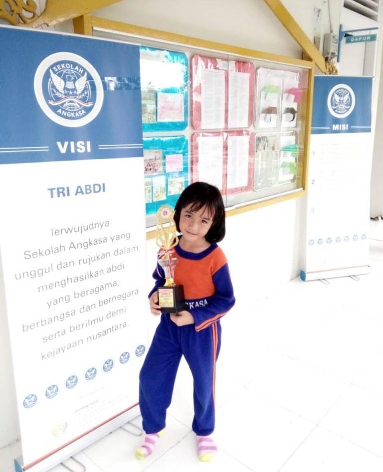 Ketua Yasarini Cabang Lanud Rsn Puji Prestasi Amanda Niechy