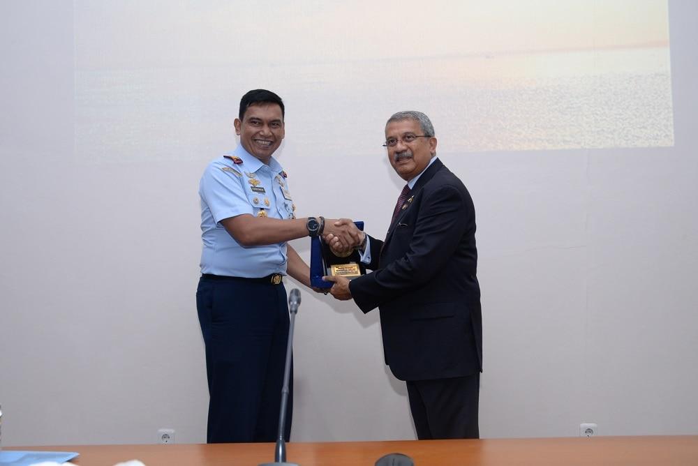 Komandan Sekkau Terima Kunjungan Dr. Sanu Kainikara Dari Australia