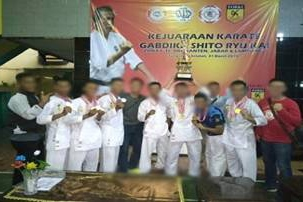 Atlet Satbravo 90 Paskhas Raih Juara Umum Kejuaraan Karate Gabdika Zona 1 Se Dki, Banten, Jabar dan Lampung