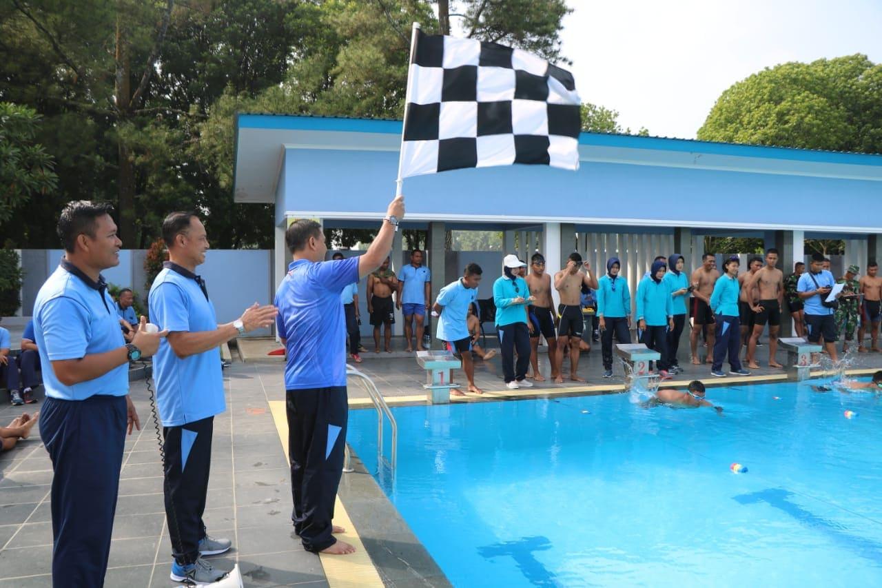 Yonko 464 Paskhas, Juara Lomba Renang Antar Satuan