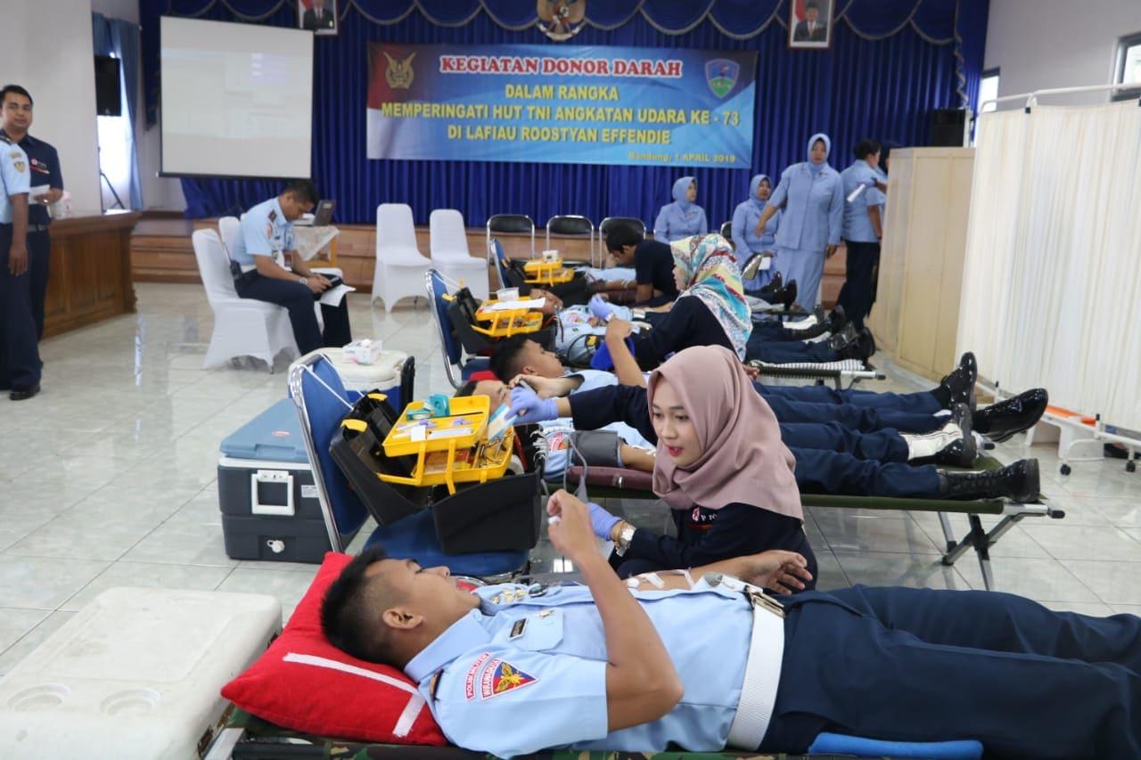 200 Orang Prajurit TNI AU Donorkan Darah