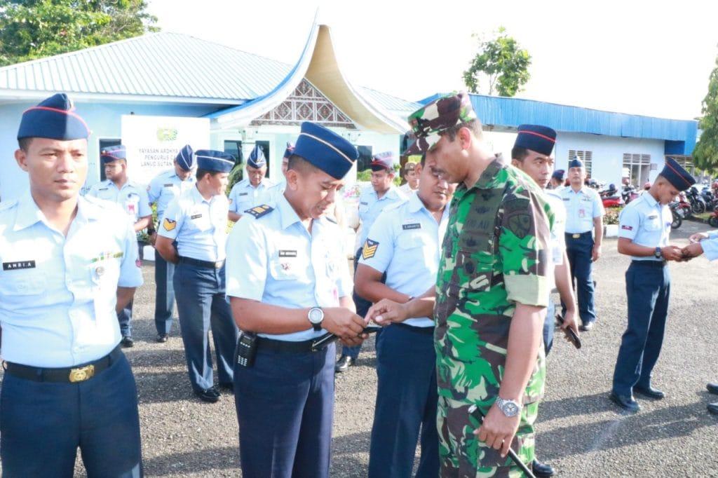 Komandan Lanud Sutan Sjahrir Cek Kelengkapan Ranmor Anggota