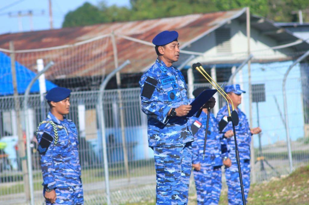 Pangkoopsau III Pimpin Upacara 17an Gabungan Di Biak