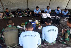 Latihan Terjun Free Fall Denjaka Di Lanud Wiriadinata