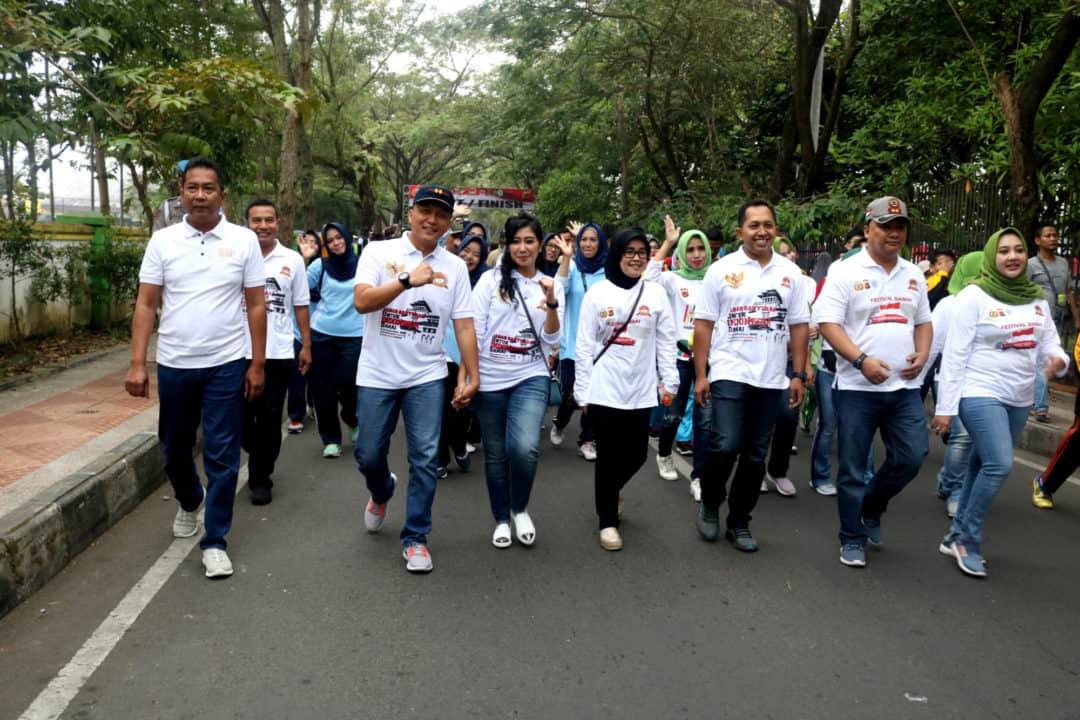 Danlanud Wiriadinata Beserta Ibu Menghadiri Festival Dan Gerak Jalan Dalam Rangka Hut Bhayangkara Ke 73
