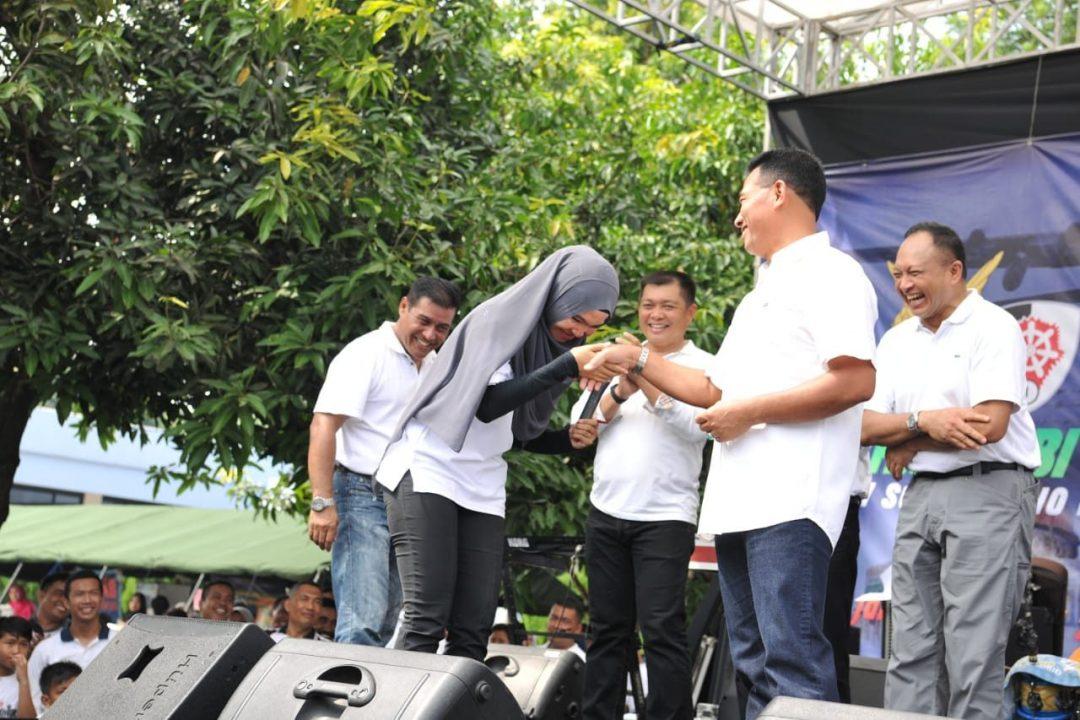 Kasau Berikan Hadiah Umroh Kepada Tiga Anggota Makoopsau I
