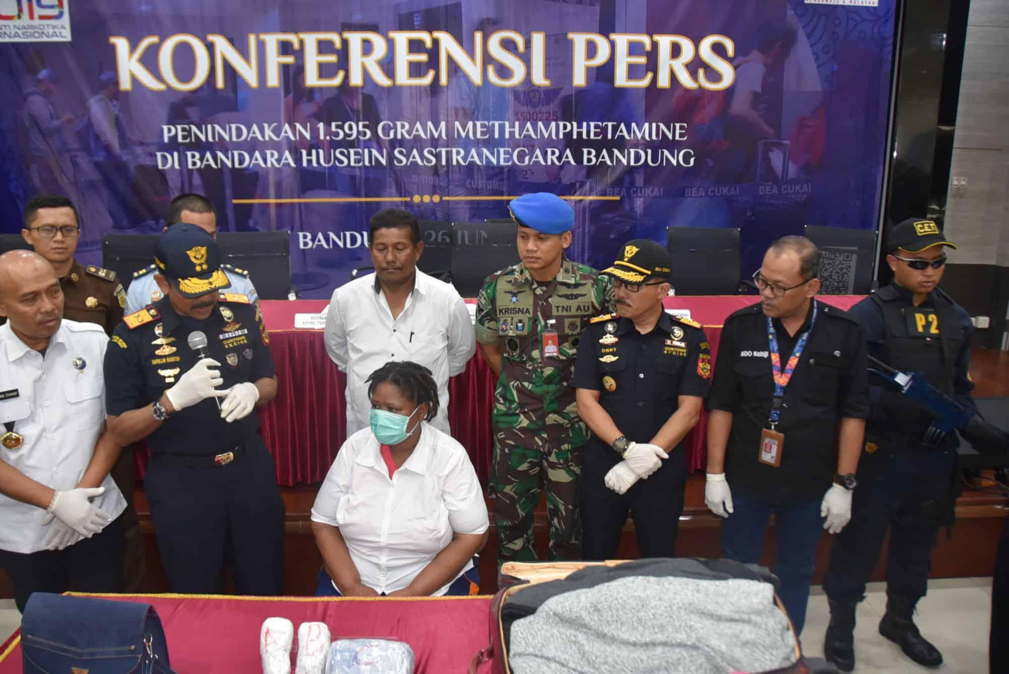 Lanud Husein Sastranegara Dan Bea Cukai Gagalkan Penyelundupan 1.595 Gram Methamphetamin