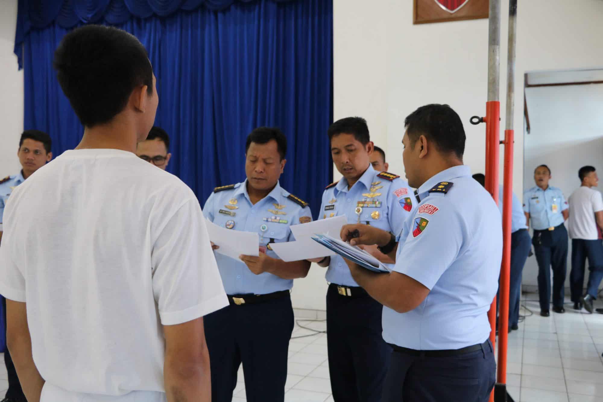 72 Calon Taruna Taruni Ikuti Pantukhir Daerah Di Lanud Husein Sastranegara