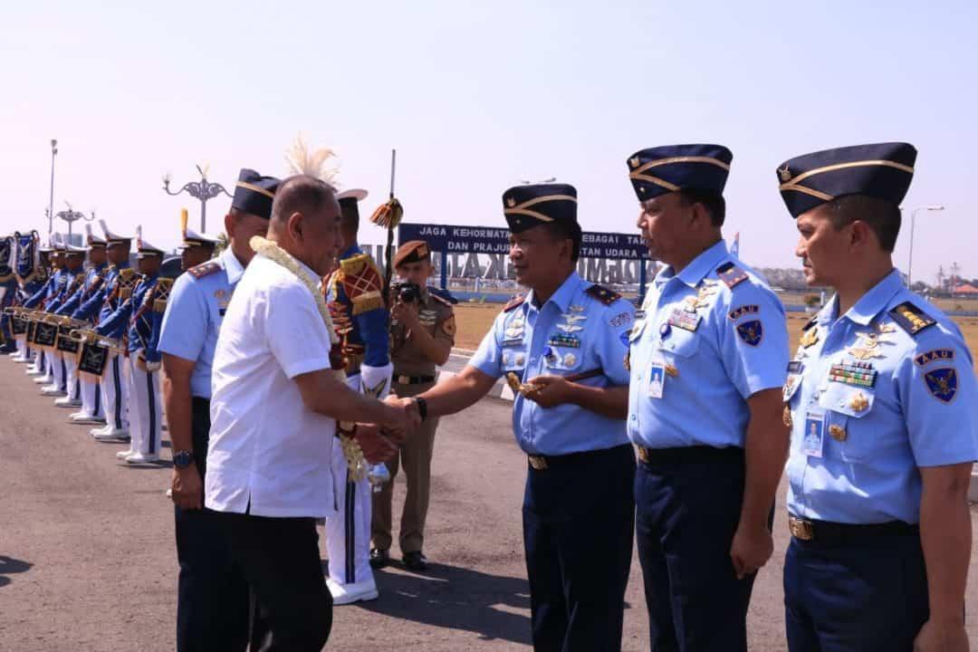Danlanud Adisutjipto Sambut Kunjungan Kerja Menhan Di Yogyakarta