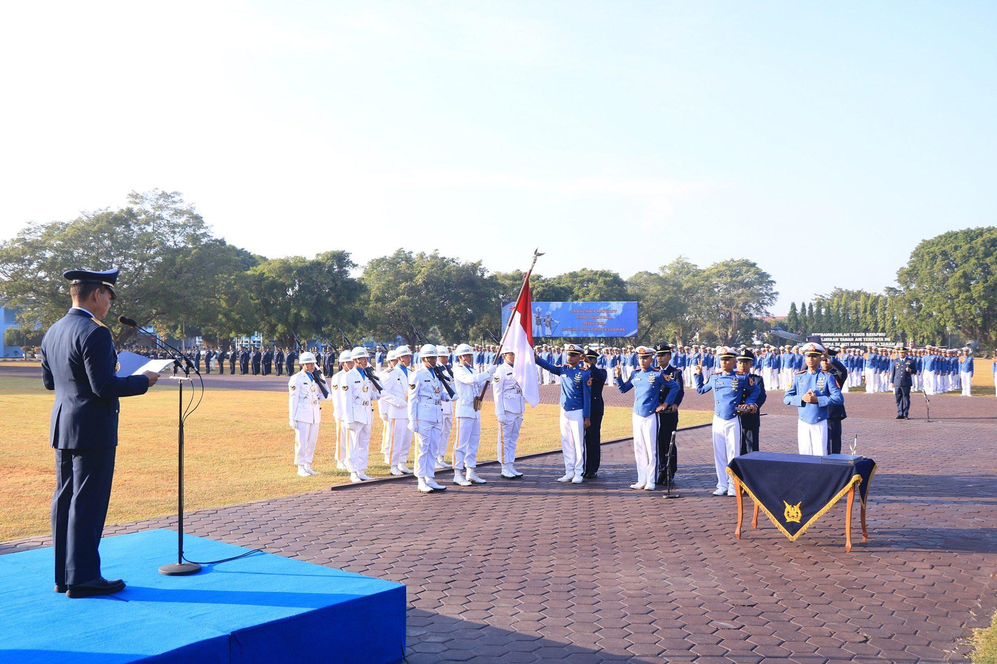 99 Taruna Tk. Iv Akademi Angkatan Udara Upacara Pengambilan Sumpah Prajurit Taruna