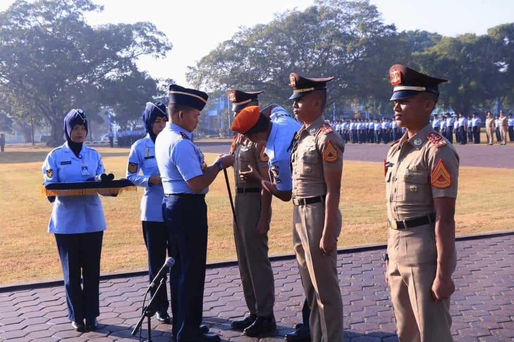 320 Taruna Akademi Angkatan Udara Naik Pangkat