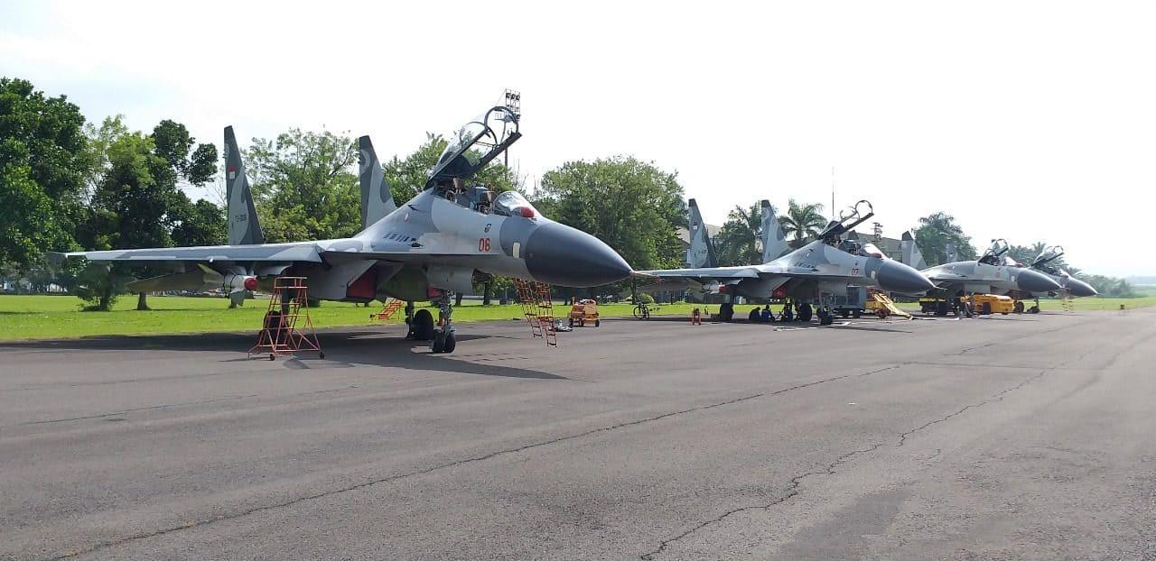 Deru Belasan Pesawat Tempur Tni Au Di Lanud Abd Saleh