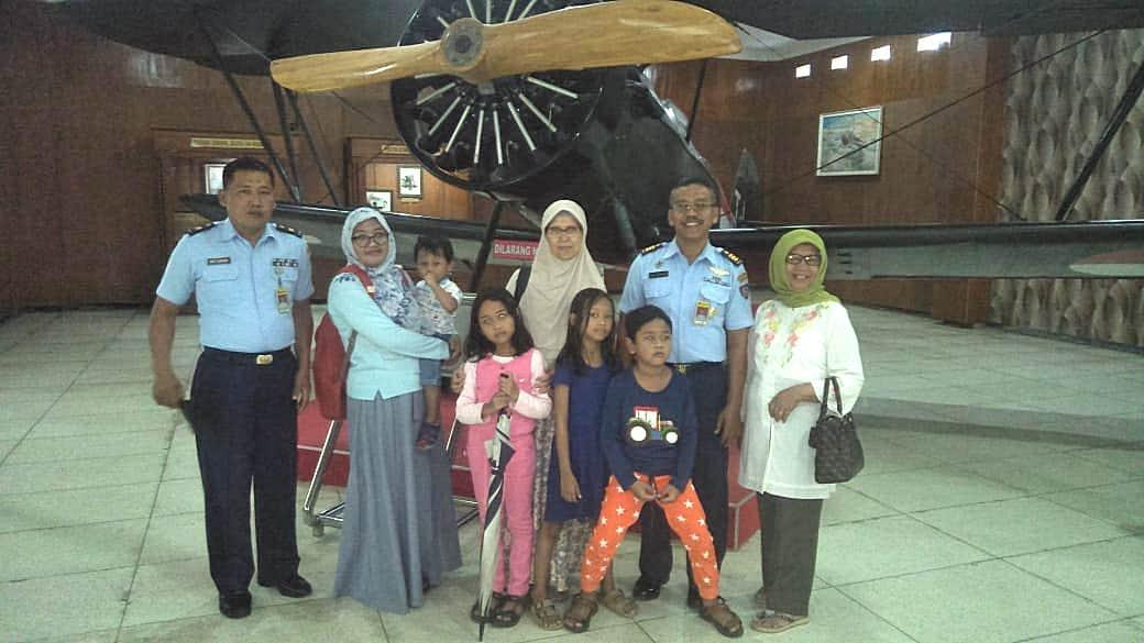 Penerbang Wanita Pertama Indonesia Kunjungi Muspusdirla