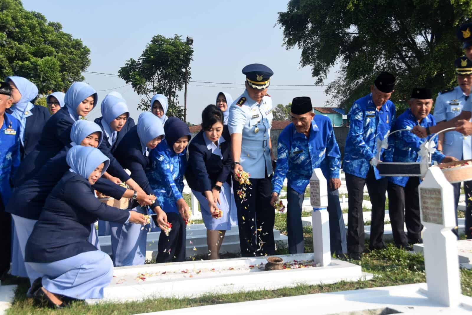 Komandan Lanud Wiriadinata Pimpin Ziarah Hari Bakti Tni Au Ke – 72