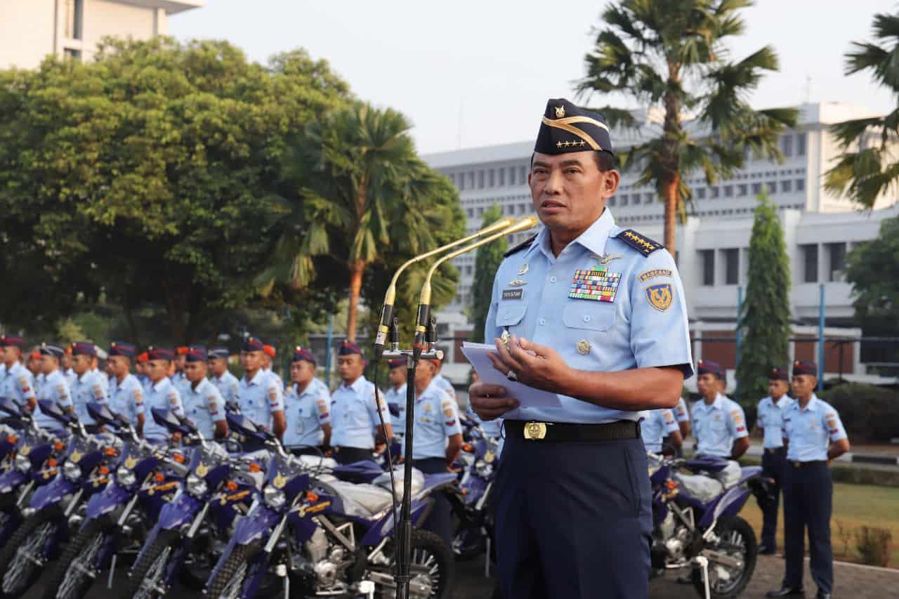 Kasau Serahkan 63 Motor Trail Untuk Patroli Pengamanan Aset Tni Au