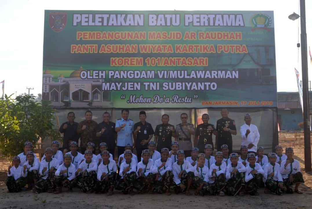 Lanud Sjamsudin Noor Ikuti Ziarah Rombongan Hut Ke-61 Kodam Vi/mulawarman Tahun 2019 Di Tmp Bumi Kencana Banjarbaru
