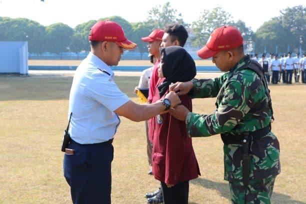 Pembinaan Kesadaran Bela Negara Mahasiswa Baru Universitas Surakarta Di Lanud Smo