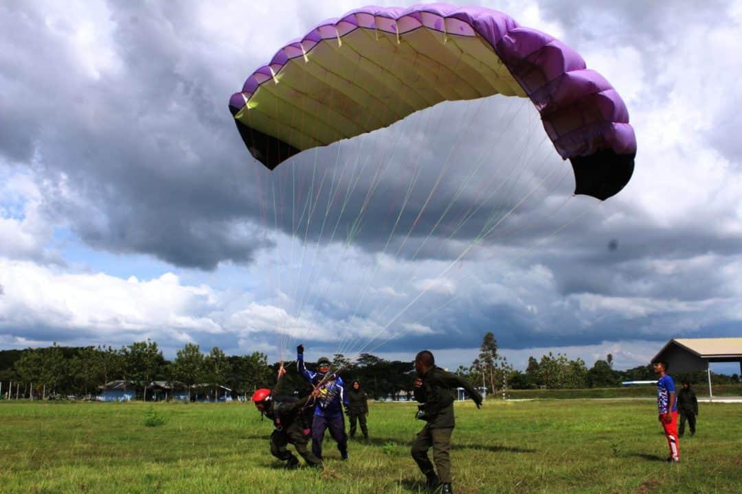 Menwa Mahadasa Aceh Belajar Ground Handling Paralayang Di Lanud Sim