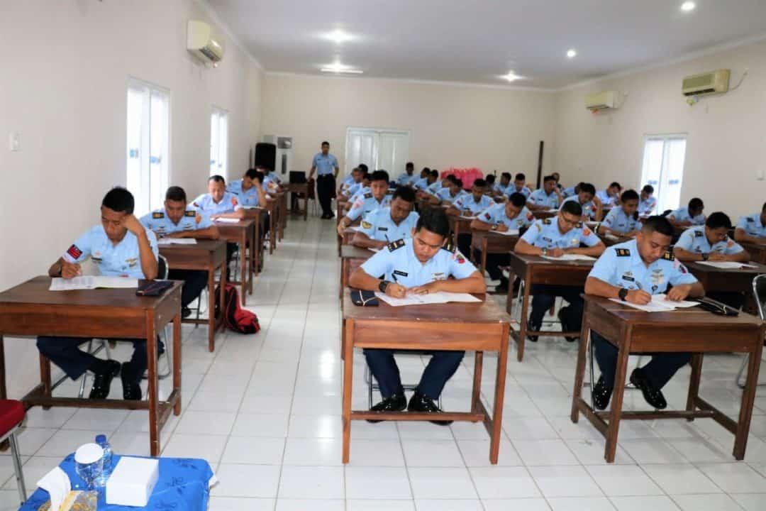 Tingkatkan Kompetensi Prajurit, Lanud Dhomber Adakan Tes Bahasa Inggris