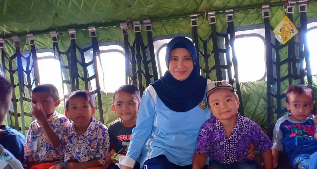 Siswa-siswi Tk Angkasa Melaksanakan Kegiatan Pengenalan Lingkungan Sekolah.