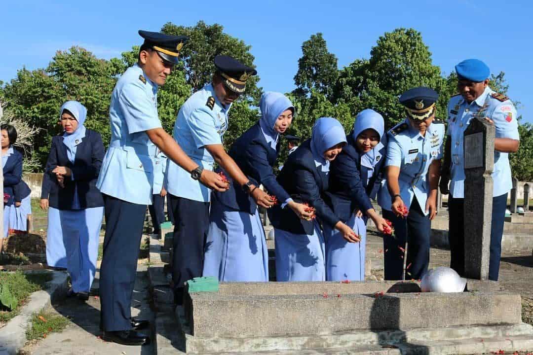Ziarah Rombongan Di Tmp Watubangga, Dalam Rangka Peringatan Ke-72 Hari Bakti Tni Au