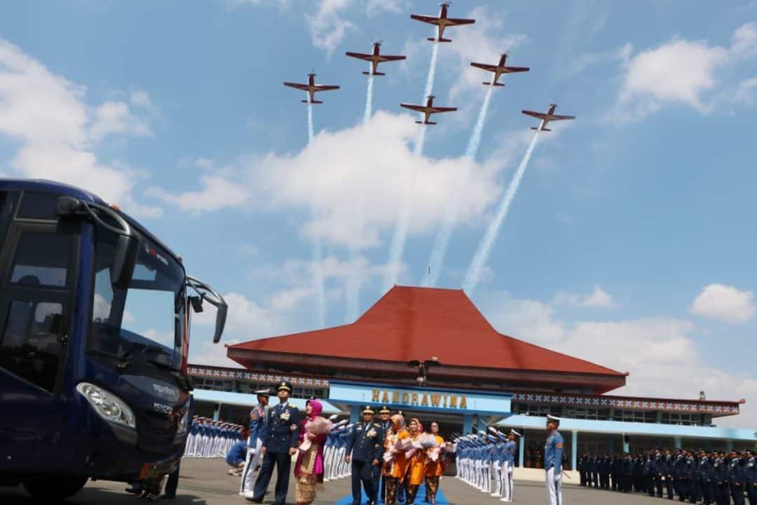 Jupiter Aerobatik Team Fly Pass Iringi Passing Out 38 Wisudawan Purnawira Pati