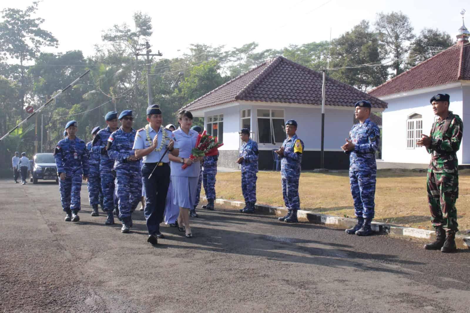 """""""passing In Parade"""" Dan """"passing Out Parade"""" Komandan Lanud J.b. Soedirman"""