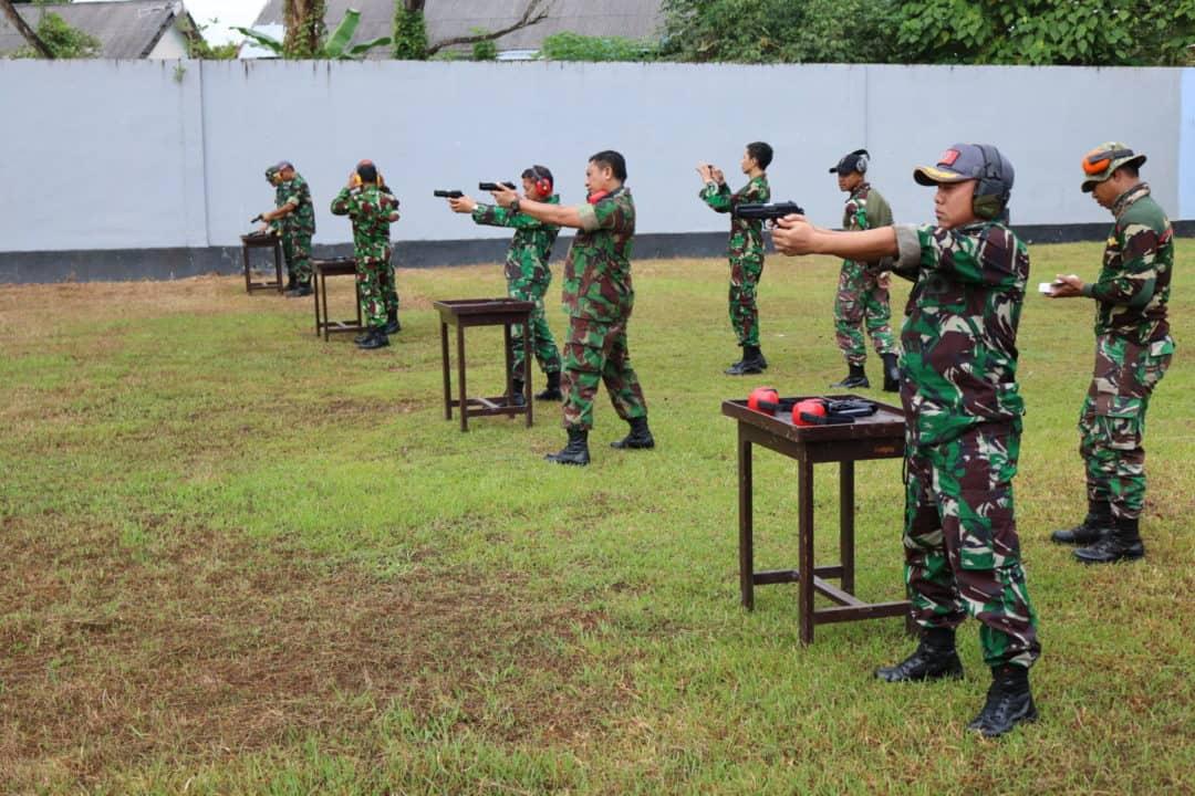 Personel Kosekhanudnas Ii Melaksanankan Latihan Menembak