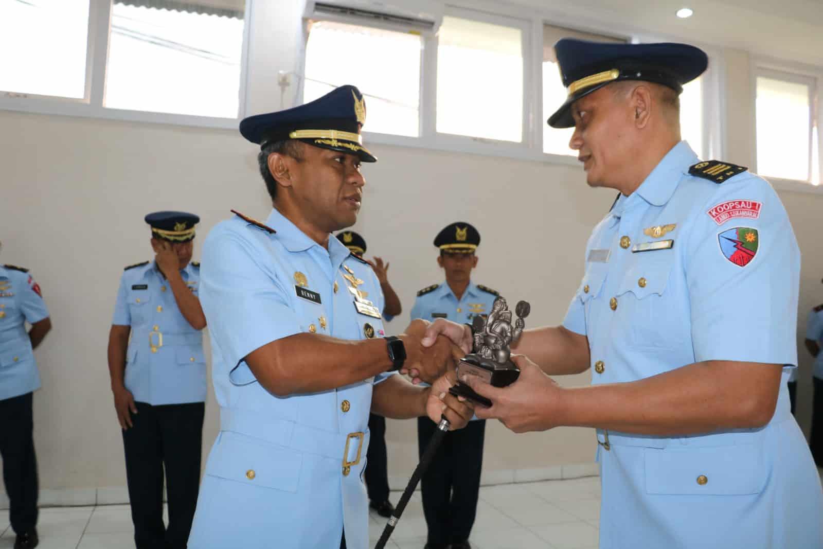 Kapten Lek Furshon Lulusan Terbaik Sbitl A-33 Skadik 201 Lanud Sulaiman