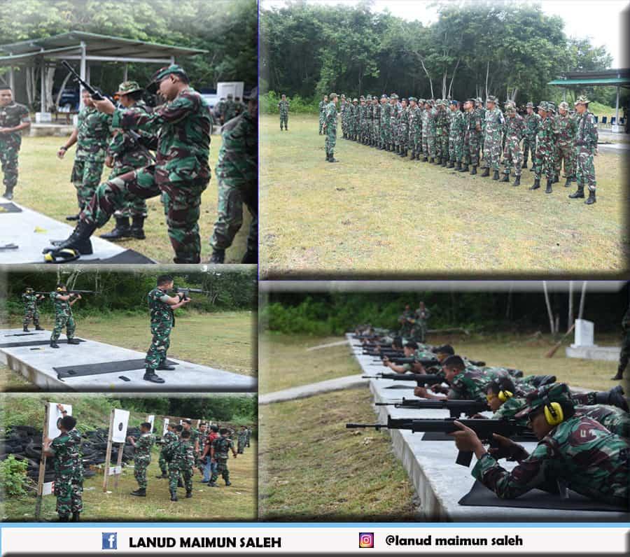 Anggota Lanud Maimun Saleh Mengasah Kemampuan Dan Keterampilan Menembak