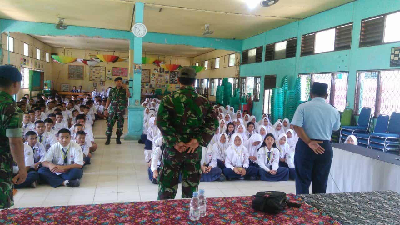 Binpotdirga Iskandar Melaksanakan Kegiatan Pengenalan Lingkungan Sekolah