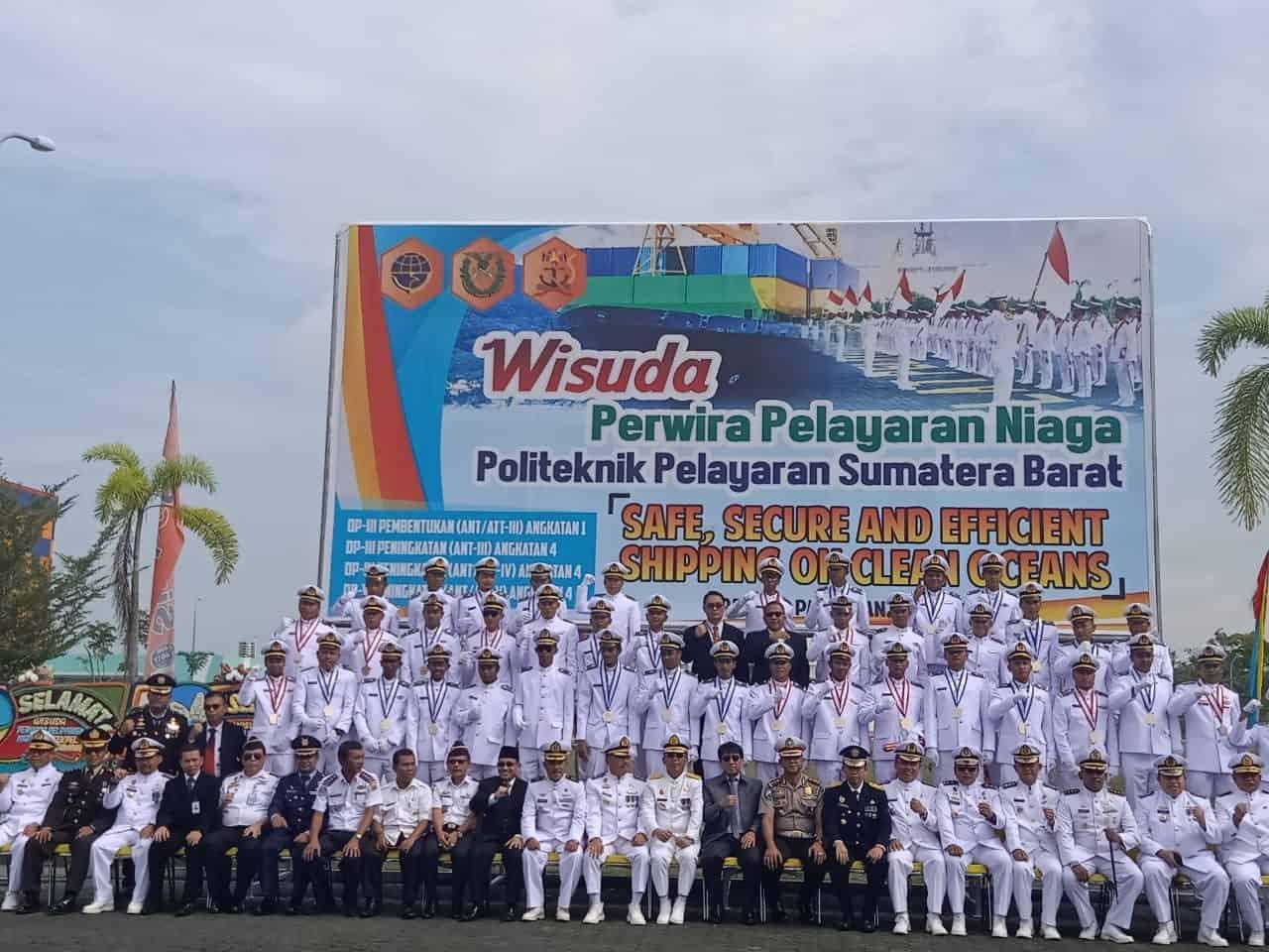 Kadispers Lanud Sutan Sjahrir Hadiri Wisuda Perwira Pelayaran Niaga Di Kota Pariaman