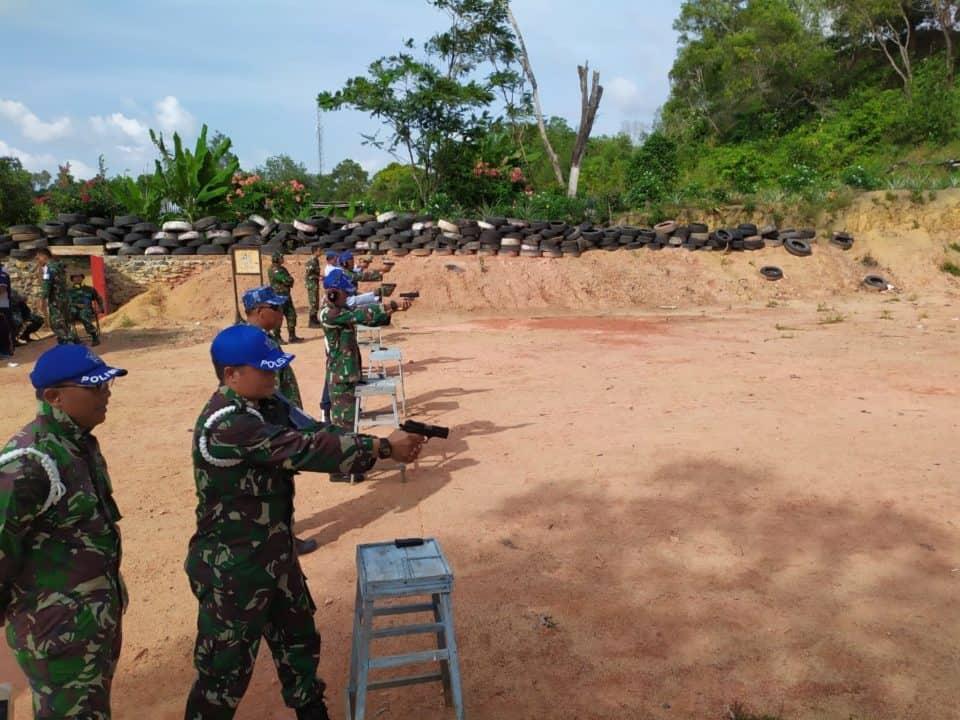 Latihan Menembak Personel Satpomau Lanud Rhf Bulan Juli 2019