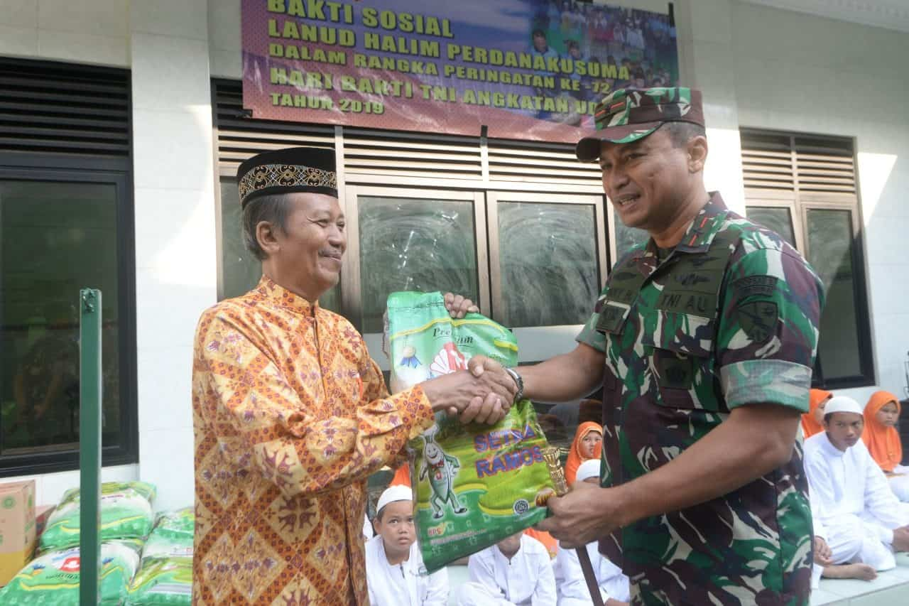 Kunjungan Ke Panti Asuhan Warnai Peringatan Ke-72 Hari Bakti Tni Au Di Lanud Halim P.