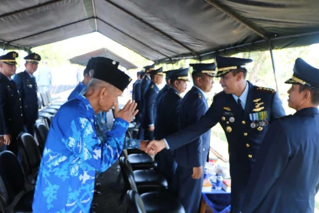 Komandan Lanud ( Danlanud) Sutan Sjahrir Menjadi Inspektur Upacara Pada Upacara Peringatan Hari Bakti Ke-72 Tni Angkatan Udara