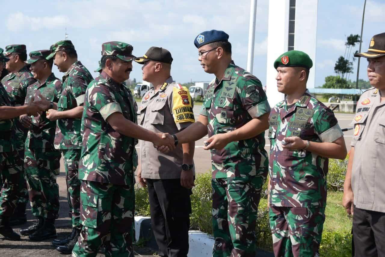 Danlanud Rhf Sambut Kedatangan Panglima Tni Di Bandara Hang Nadim Batam