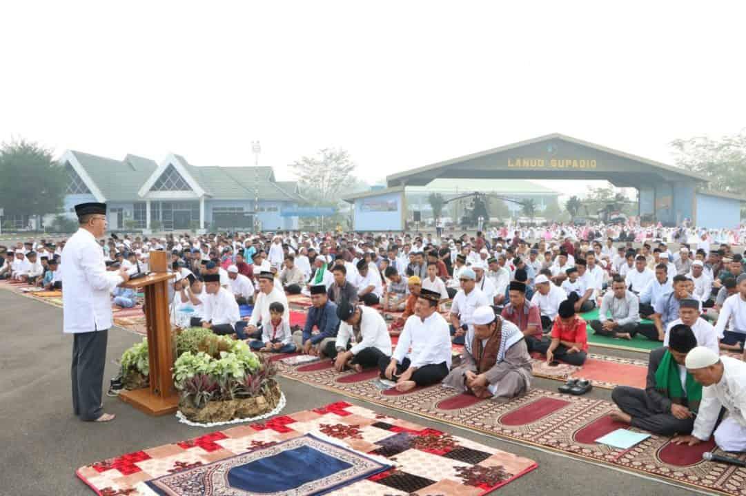 Sholat Iduladha Dan Pemotongan Hewan Kurban di Lanud Supadio