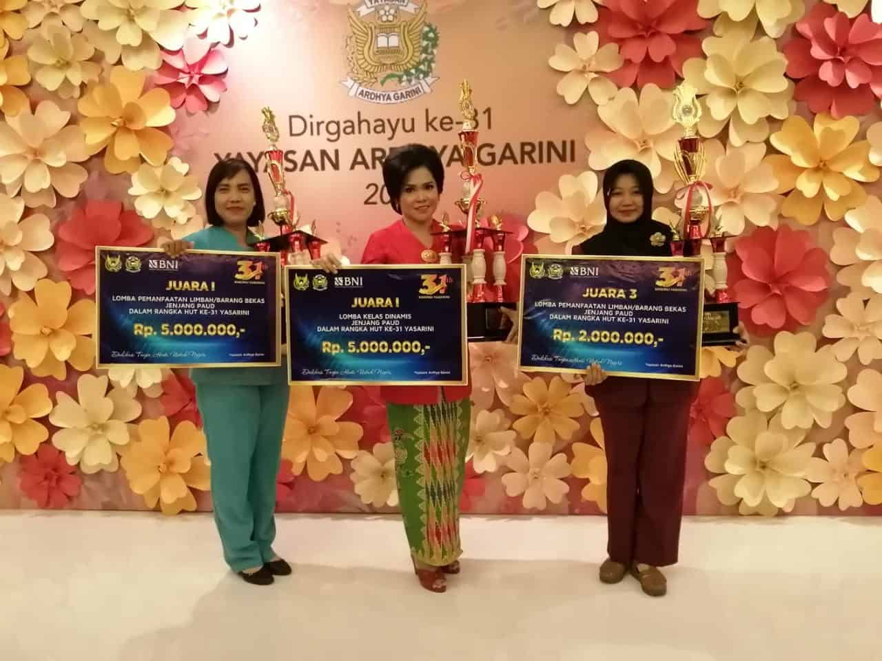 Ketua Yasarini Cabang Lanud Supadio Bangga Borong Tiga Piala
