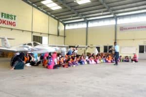Ketua Yasarini Cab. Lanud Wiriadinata Ajak Murid Tk Angkasa Kota Kenalkan Minat Kedirgantaraan