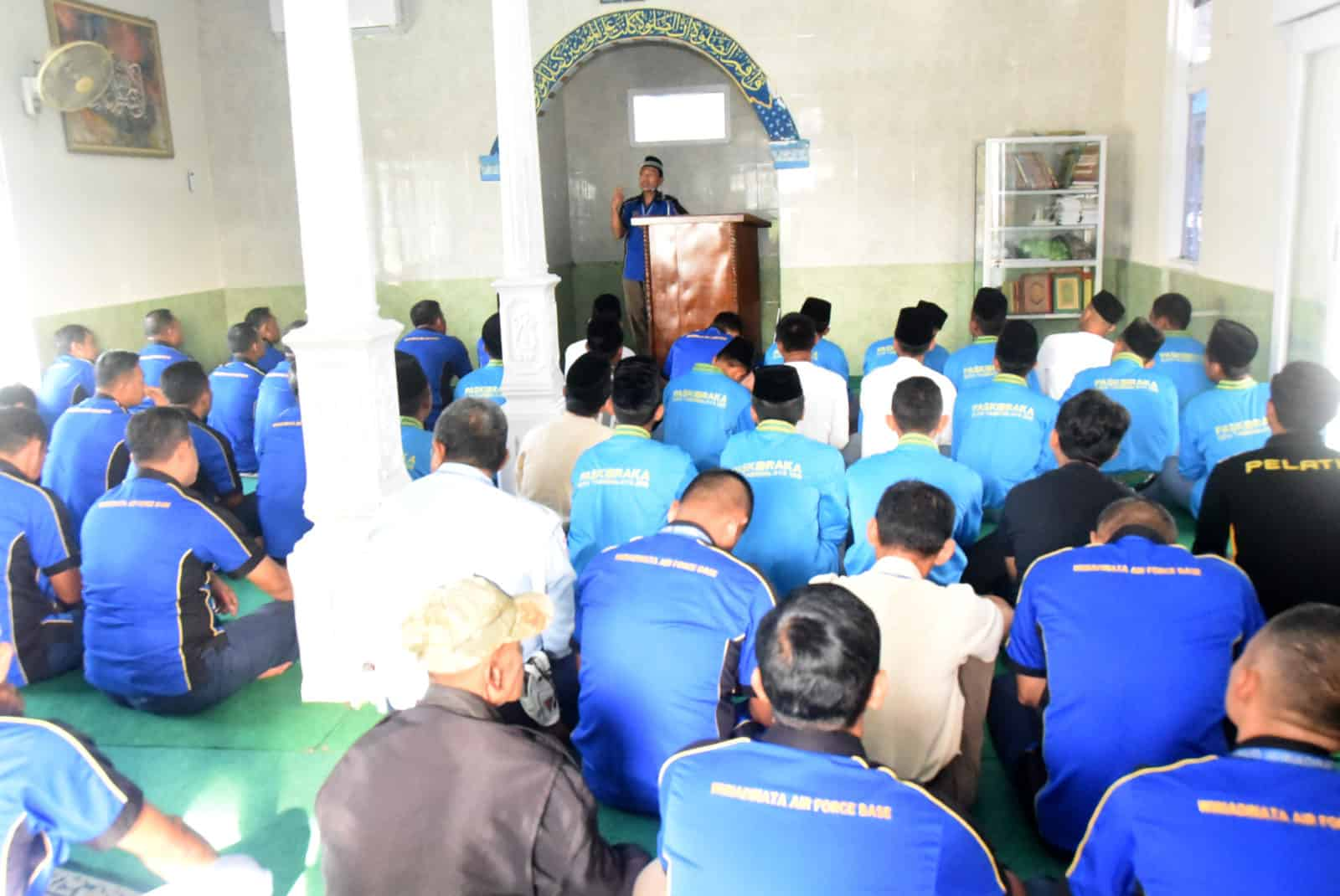 Lanud Wiriadinata Gelar Shalat Dhuha, Shalat Ghaib, Do'a Bersama Dan Tali Asih