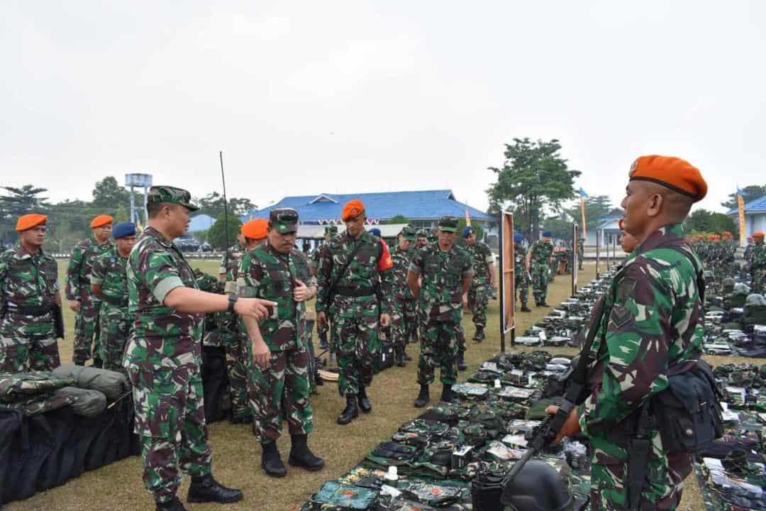 Waasops Panglima TNI Cek Kesiapan Satgas Pamrahwan Papua Yonko 462 Paskhas