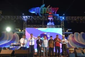 Danlanud Di Dampingi Ketua Pia Hadiri Acara Penutupan Manado Fiesta 2019