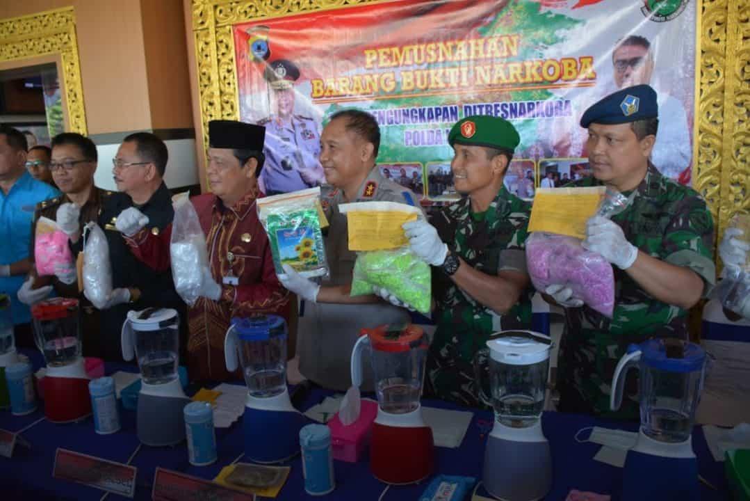 Komandan Lanud Sjamsudin Noor Turut Musnahkan Narkoba di Mapolda Kalsel
