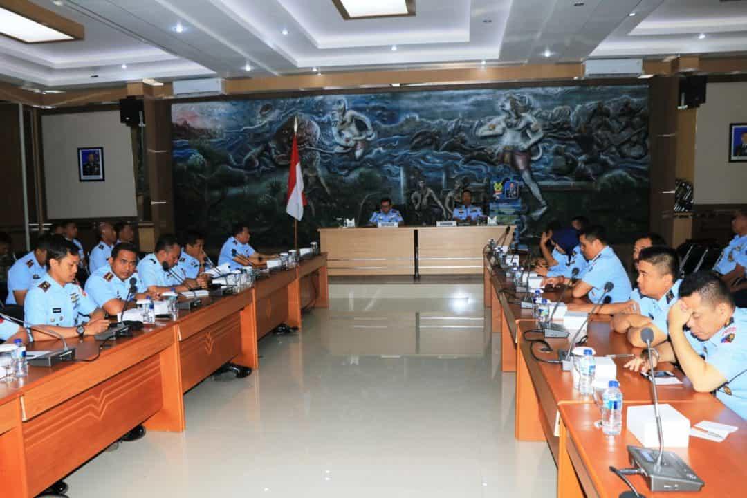 Penyuluhan Manajemen Logistik dan Sosialisasi Bujuklak TNI AU di Lanud Abdulrachman Saleh