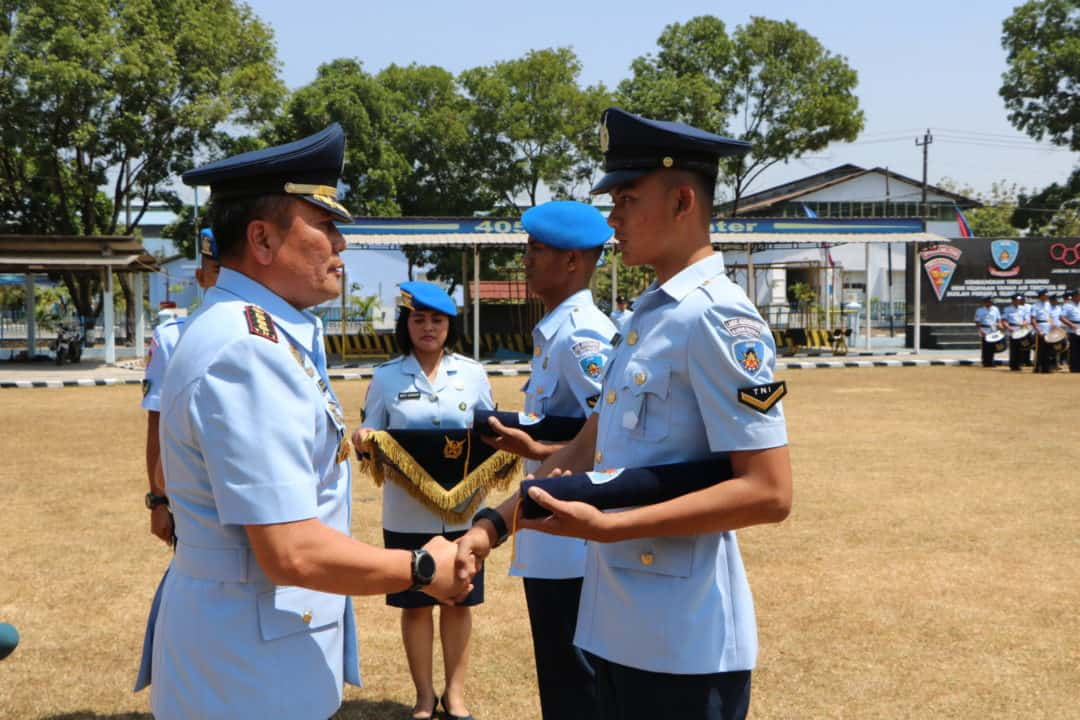 Komandan Lanud Smo Tutup Dua Pendidikan Dan Buka Tiga Pendidikan Di Lanud Smo