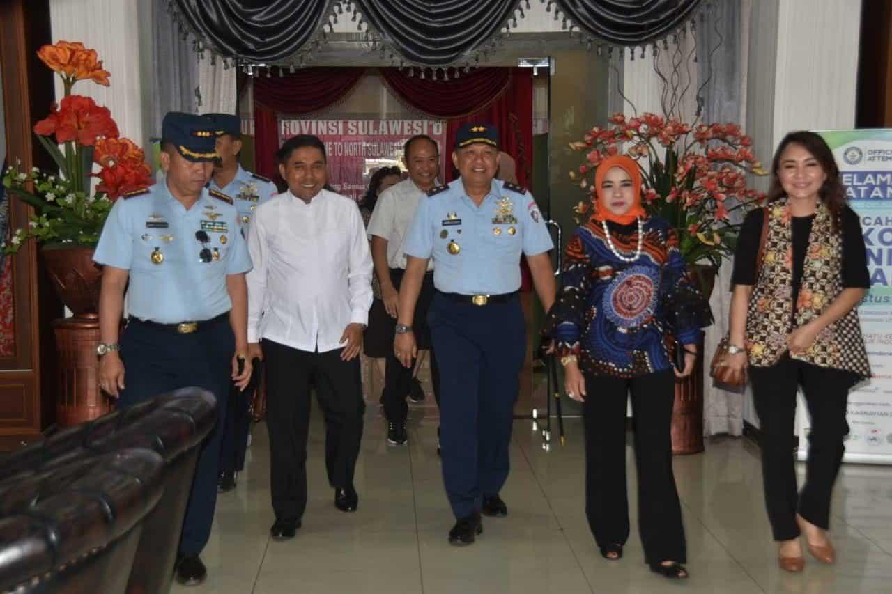 Pangkoopsau II Ikuti Acara Pemecahan Record Dunia Selam, Guiness World Of Record (GWR) di Manado Sulawesi Utara.