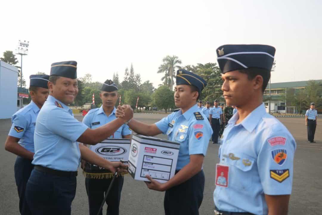 Danskadron Udara 6 Lanud ATS Beri Cougar Award kepada Personilnya